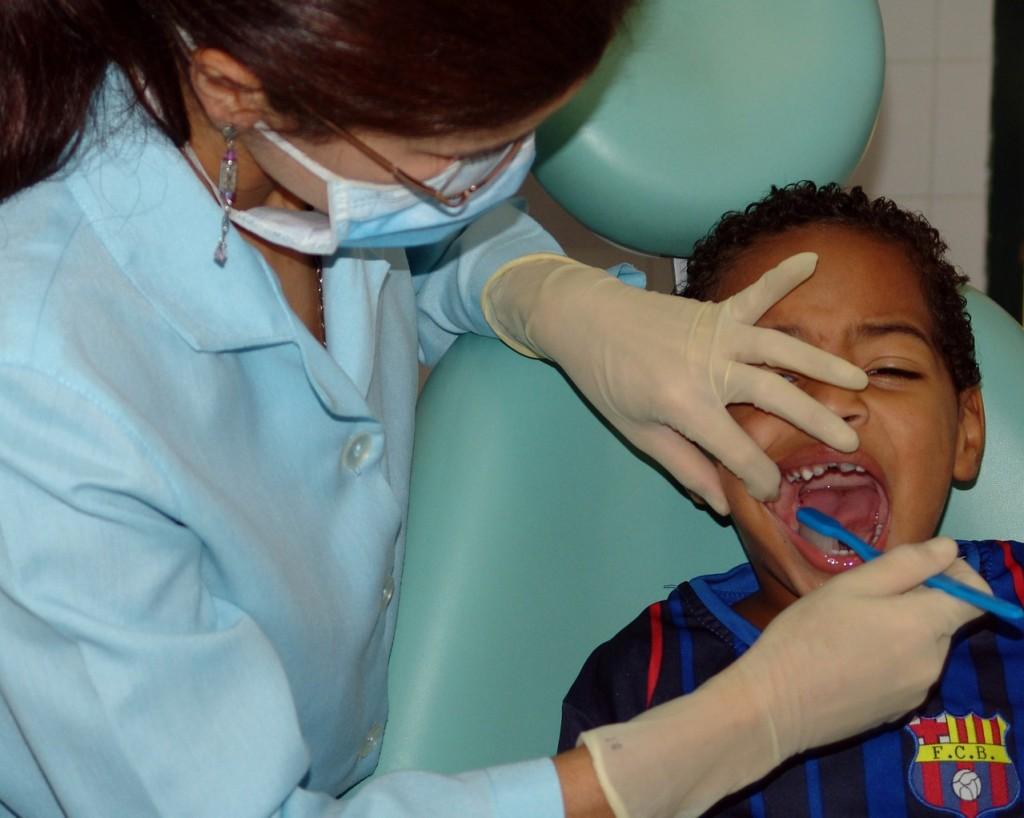 Dlaczego warto używać płynu do płukania ust?